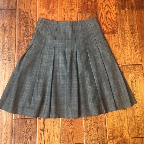 f7e50b7a4aeb99 Banana Republic Dresses & Skirts - Banana republic wool pleated skirt