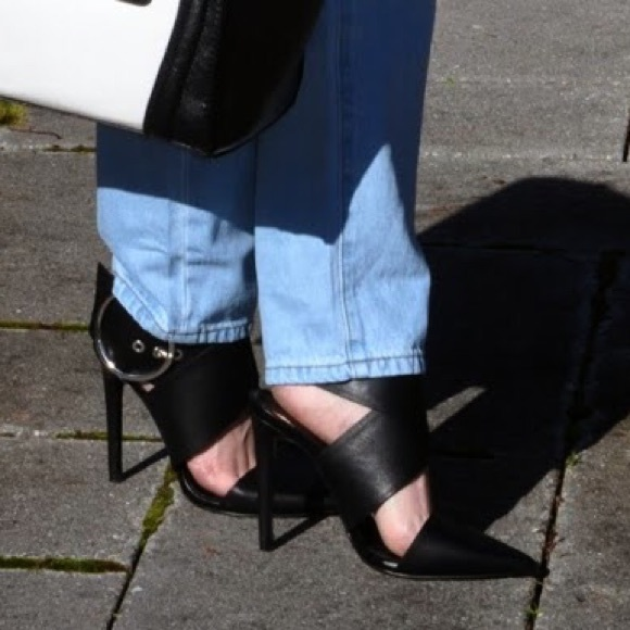 Zara Shoes - Black pumps