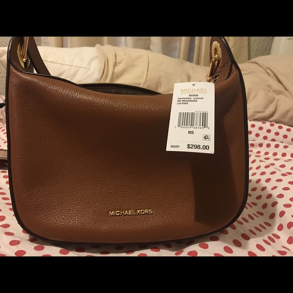 fc3f7bcc83a6 Michael Kors Bags | Raven Medium Messenger Bag No Emails | Poshmark
