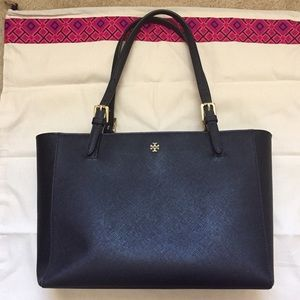 Tory Burch YORK Small Buckle Tote in Black leather