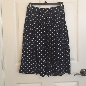 Forever 21 Dresses & Skirts - Polka dot midi skirt with pockets