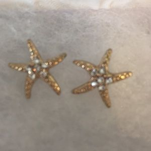Jewelry - Gold starfish stud earrings