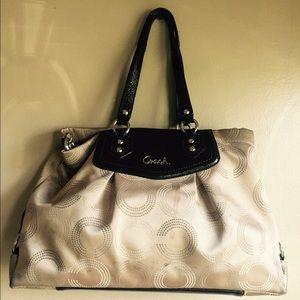 SALE ‼️Authentic COACH Bag 👜‼️