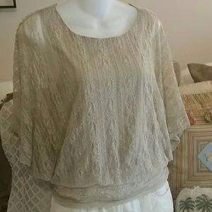 Gorgeous boho delicate lace Batwing top