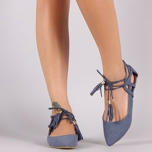 Shoes - 🎉HP🎉 NWT. Blue denim lace-up flats