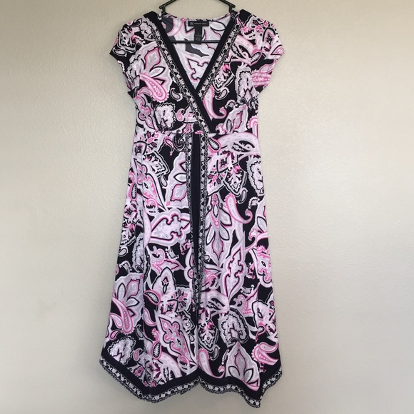INC International Concepts Dresses & Skirts - INC pink and black Shift dress size small