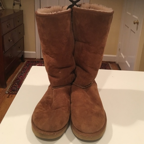 4bd16c741c4 Authentic UGG boots size 10 women's suede