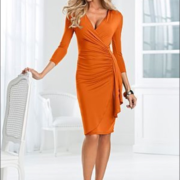 cb66d92e23d NWOT Venus Burnt Orange Wrap Dress. M 58a0e58c78b31c7cb70820b9