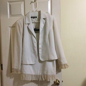 Dresses & Skirts - Woman's dress suit