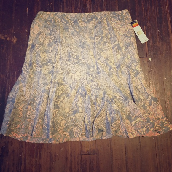 83 chaps dresses skirts nwt beautiful pencil