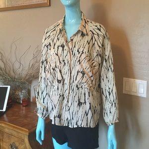 Twenty8Twelve Tops - Beautiful Twenty8Twelve 100% silk shirt.