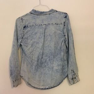 Forever 21 Tops - NWT Acid Wash Jean Shirt With Gold Studs!