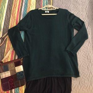 Old Navy hunter green light weight sweater