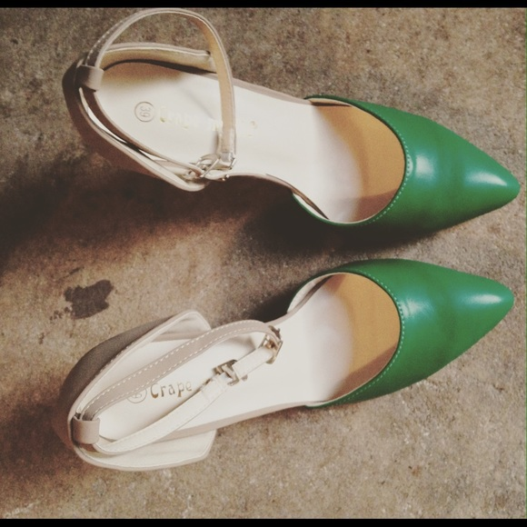 Green And Tan 3 Inch Heels Size 8