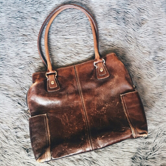 cc8ced83c821 Fossil Handbags - Large Brown distressed Fossil leather laptop bag