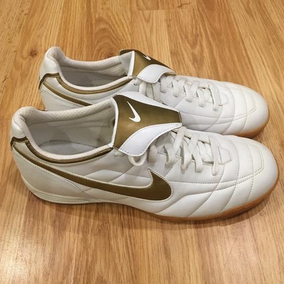 lowest price 291cf d3872 Men's Nike Ronaldinho Shoe Gold/White Size 12