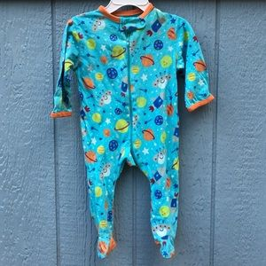 Luvable Friends Other - Stars ⭐️Onesie ✨⭐️✨⭐️🌛💫 super cute & soft !