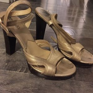 MICHAEL Michae Koes gold ankle-strap sandals - 9