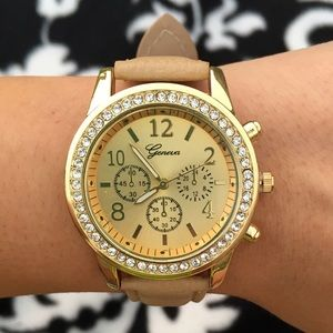 Chic Rhinestone Gold Face Tan Leather Band Watch
