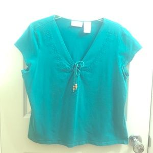 Worthington Tops - Turquoise embroidered tee w keyhole