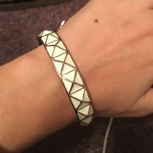 Jewelry - White and gold bracelet