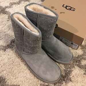Brand new UGG Classic Short flora perforated