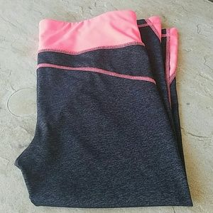 Xersion Workout Capri Pants