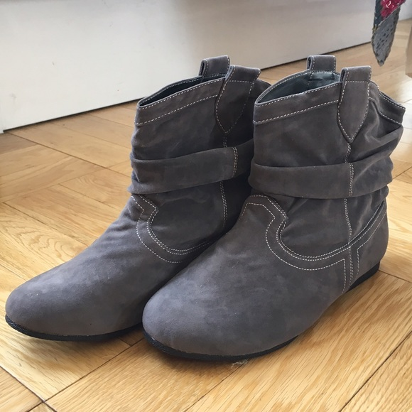 27ba1e4228f Brand New! VivaLaDiva EXTRA WIDE Ankle Boots