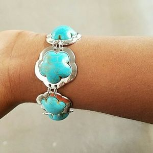 Gorgeous Turquoise Silver Bracelet 18K Plated