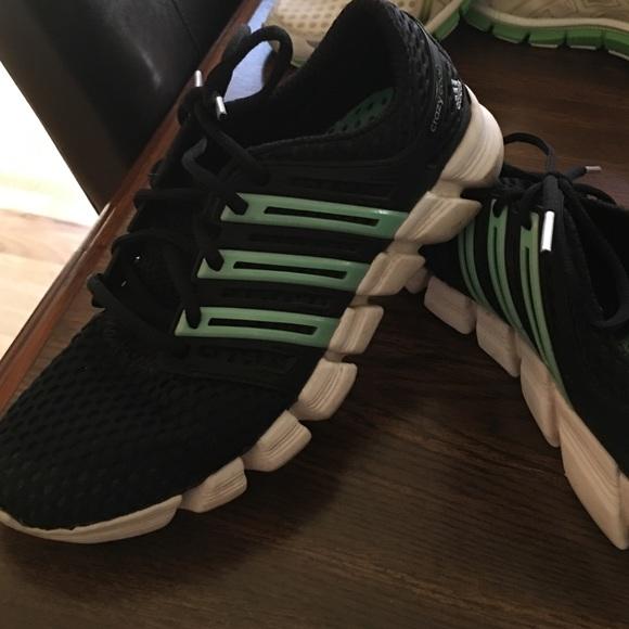 Adidas zapatos  mujer corriendo 75 poshmark