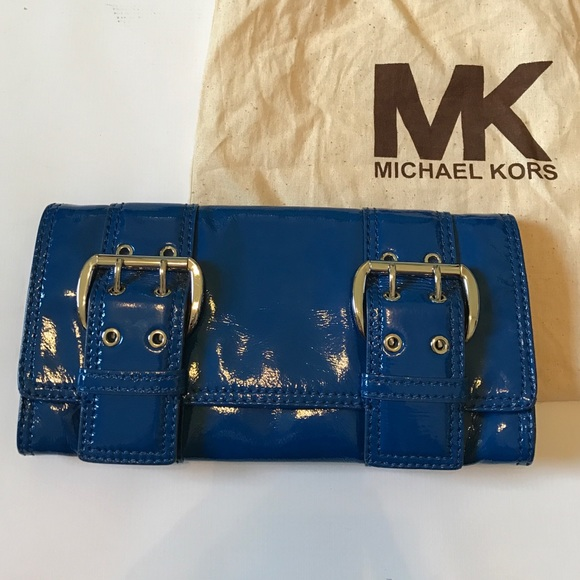 Michael Kors Handbags - Michael Kors blue patent leather clutch purse bag