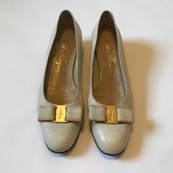 Salvatore Ferragamo Shoes - Salvatore Ferragamo Vara Bow Ivory Heels 8 1/2 8.5