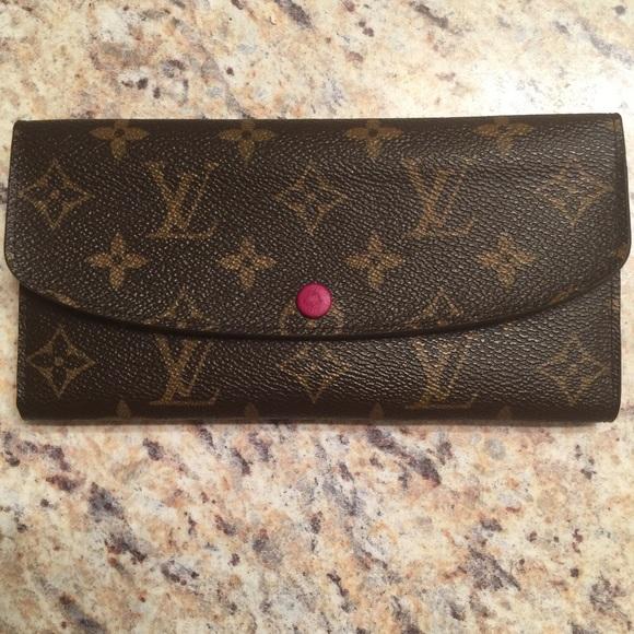 db3035fa76a5 Louis Vuitton Handbags - Authentic Louis Vuitton Emilie Wallet