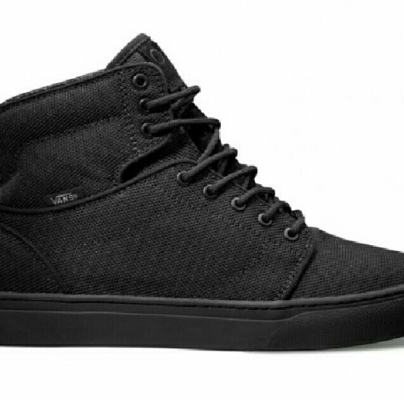 43bf00d95bb Vans Off the Wall High Top shoes. M 57f2ad3a620ff7163d00bd05