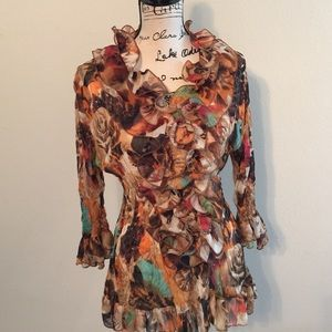 Tops - Multicolored ruffled top with 3/4 length sleeves