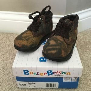 Brand new baby Camo boots 3 byJordan Lee Camo kids