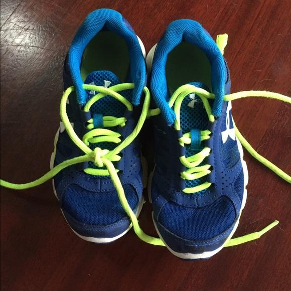 Under Armour Shoes   Boys Tennis Size