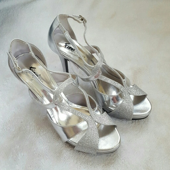 51fcbada085 Fioni Night Shoes - Gorgeous Silver Heels