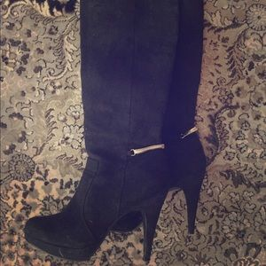 Glam H&M faux suede boots