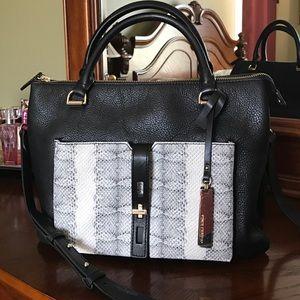 Vince Camuto handbag 👜 with duster bag