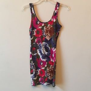 Dresses & Skirts - Watercolor floral bodycon dress