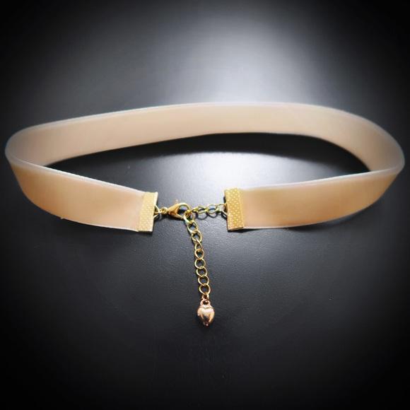 Jewelry - Tan Velvet Choker