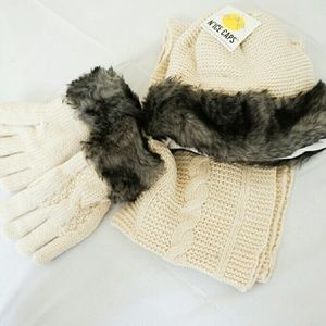 Accessories - NWT Winter Set