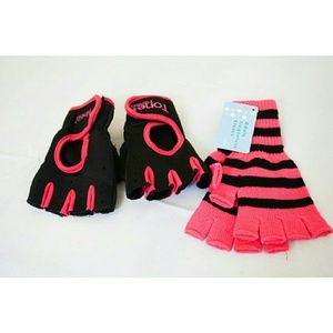 Accessories - NWT 2 Pairs Fingerless Gloves