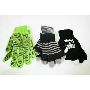 Accessories - NWT 3 Pairs of Gloves