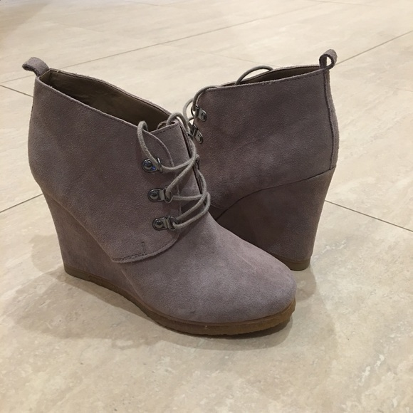 bdc7387c08a Steve Madden Grey Suede Wedge Booties. M 57f2d9c84e95a330aa012e83