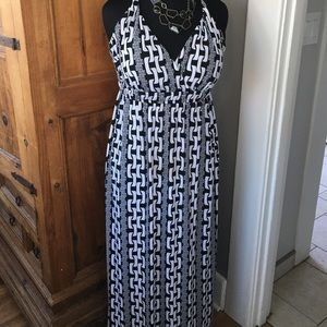 Glamour & Co. Dresses & Skirts - Black and White Chain Link Maxi (XL)