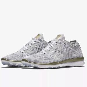 Nike Shoes - NIKE Free TR Flyknit Platinum ~ Sz. 8