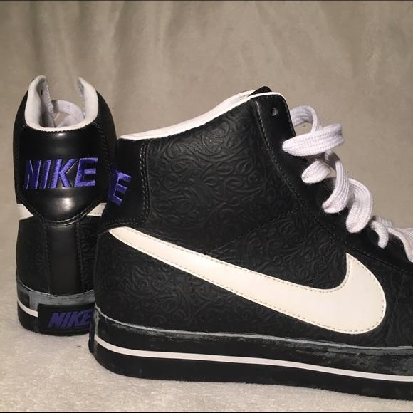d6b21e51e4906f Nike BRS Embossed High Tops - Women s Size 8.5. M 57f2f5c8c28456678a000284