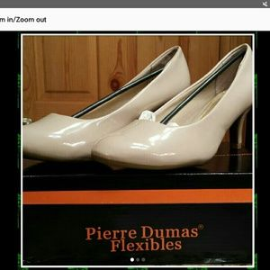 Pierre Dumas Shoes - Pierre Dumas nude flexible pumps, sz 10m, NIB